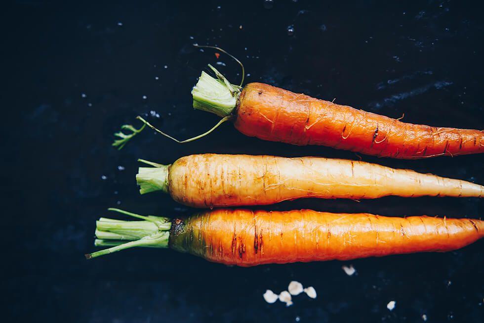 Ekologiska, närodlade morötter