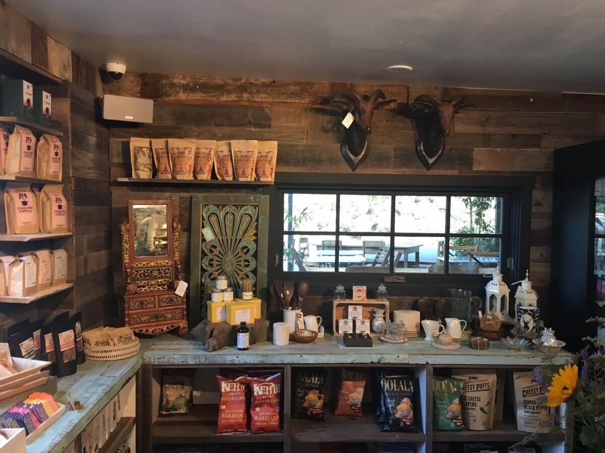 Living cafe topanga