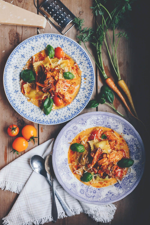 glutenfri_ravioli_tomatsas_morotsbacon_1